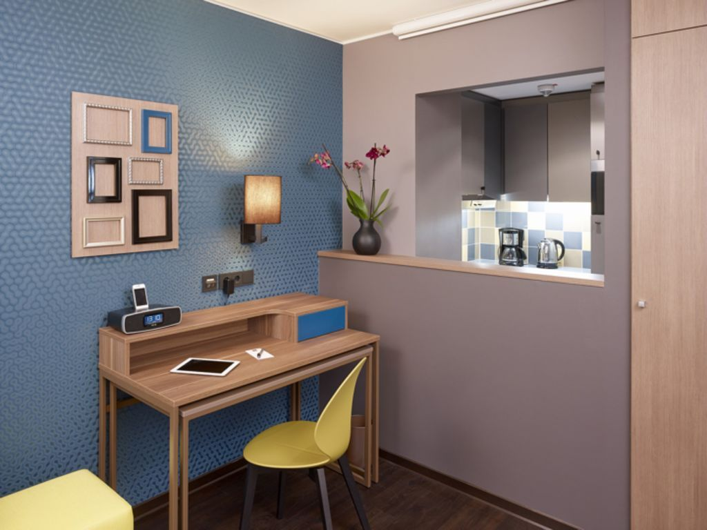 Apartment for up to two people with twin beds and a fitted kitchen.